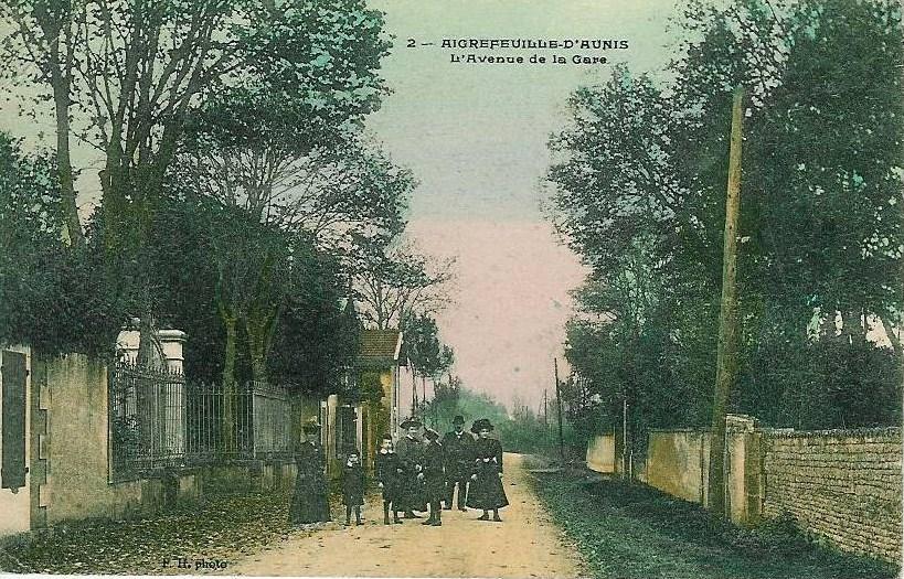 Avenue de la gare rodde a gauche
